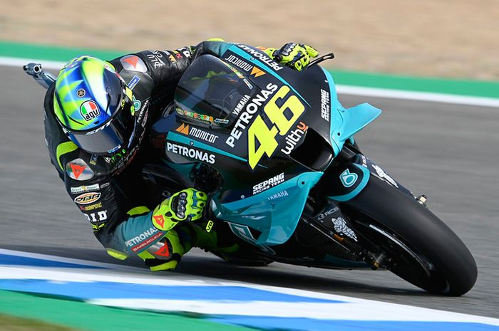 Dibilang tertekan gara-gara deadline MotoGP 2021, pembalap Petronas Yamaha SRT Valentino Rossi kasih jawaban woles dan santai