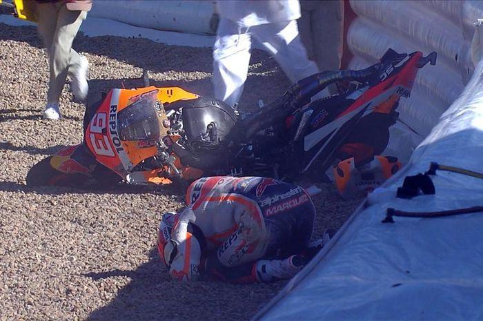Momen Marc Marquez terjatuh pada sesi latihan bebas MotoGP Spanyol 2021.