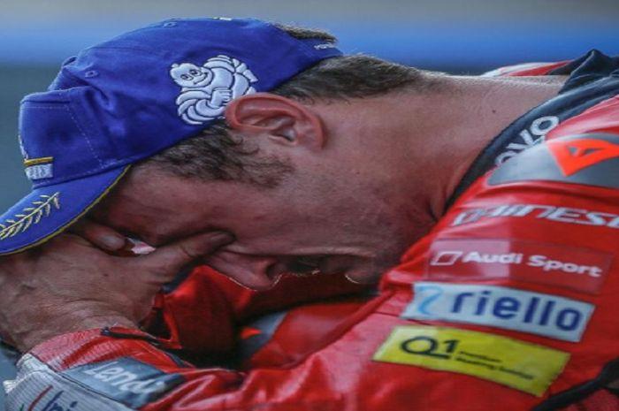 Pembalap MotoGP tim Ducati, Jack Miller menangis karena berhasil meraih podium juara di MotoGP Spanyol 2021 (2/5/2021)