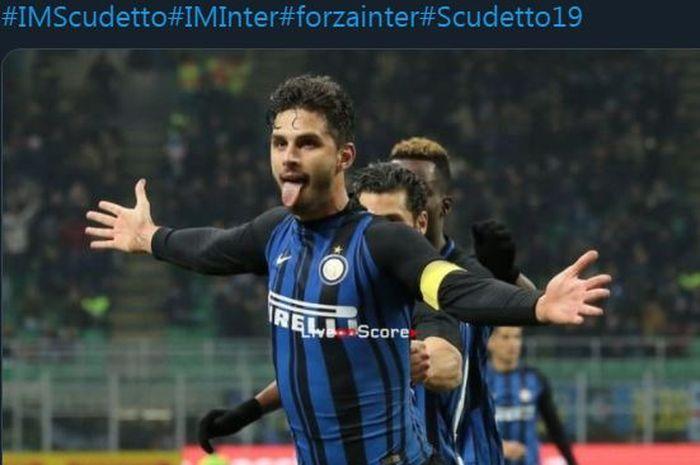 Andrea Ranocchia saat mengenakan ban kapten Inter Milan.