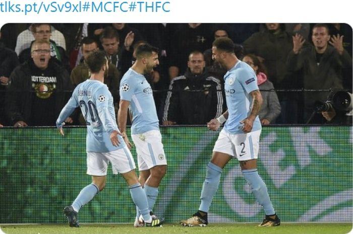 Pemain Manchester City, Sergio Aguero, Kyle Walker, dan Bernardo Silva.