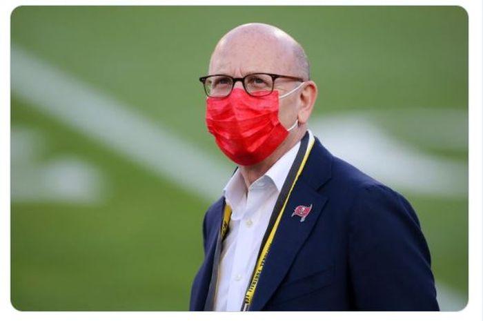 Wakil ketua eskekutif Manchester United, Joel Glazer, menuliskan surat terbuka untuk penggemar The Red Devils.