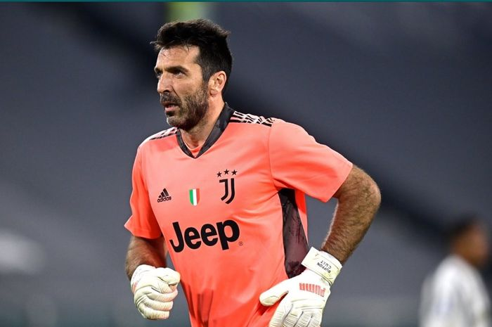 Kiper legendaris Juventus yang masih aktif bermain, Gianluigi Buffon.
