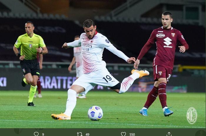 Aksi Theo Hernandez dalam laga Torino vs AC Milan dalam laga pekan ke-36 Liga Italia, Rabu (12/5/2021) di Stadion Olimpiade Turin.