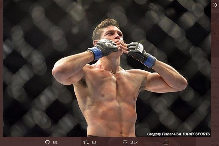 Mantan petarung UFC, Alan Jouban, yang pensiun pada tanggal 11 Mei 2021