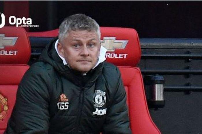 Manchester United mengukir sejarah yang belum pernah terjadi sejak 50 tahun lalu usai takluk 2-4 dari Liverpool.