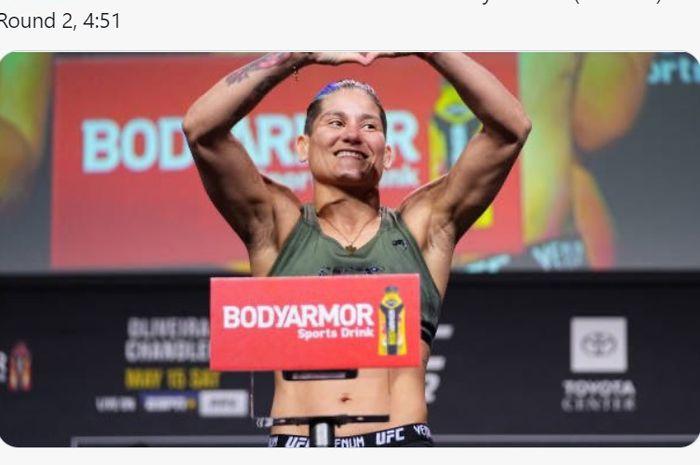 Petarung kelas terbang perempuan UFC, Priscila Cachoeira.