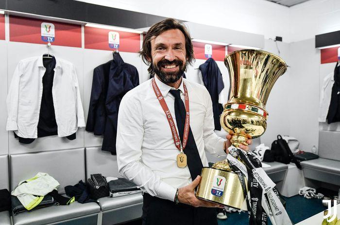 Andrea Pirlo sukses mengantarkan Juventus menjuarai Coppa Italia usai menaklukkan Atalanta dengan skor 2-1 pada babak final, Rabu (19/5/2021) atau Kamis dini hari WIB.