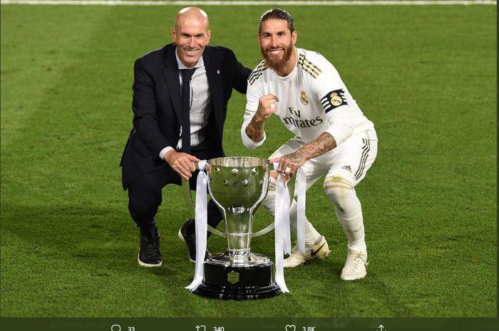 Pelatih Real Madrid, Zinedine Zidane dan sang kapten, Sergio Ramos saat juara Liga Spanyol musim 2019-2020.