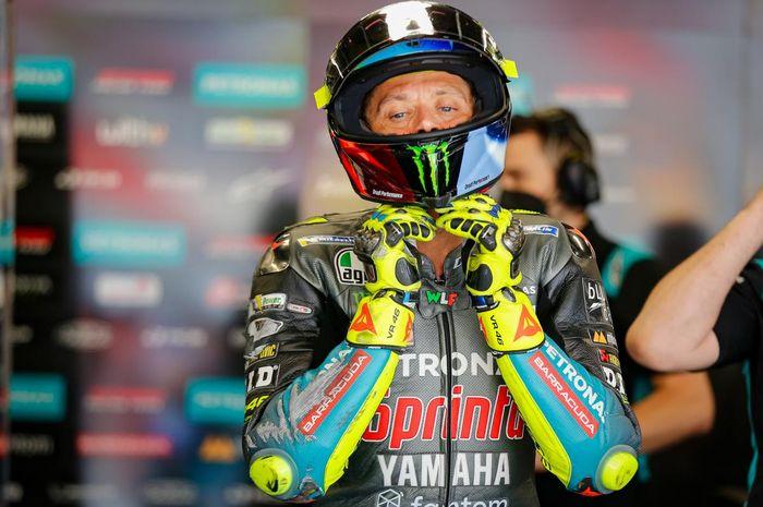 Pembalap Petronas Yamaha SRT, Valentino Rossi, pada balapan MotoGP Catalunya 2021 di Circuit de Barcelona-Catalunya, Minggu (6/6/2021).