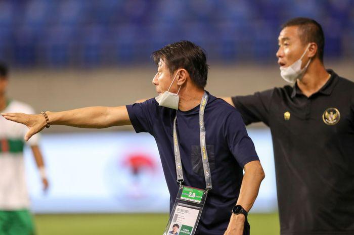 Pelatih timnas Indonesia, Shin Tae-yong  di laga timnas Indonesia Vs Vietnam, Senin (7/6/2021) malam WIB.