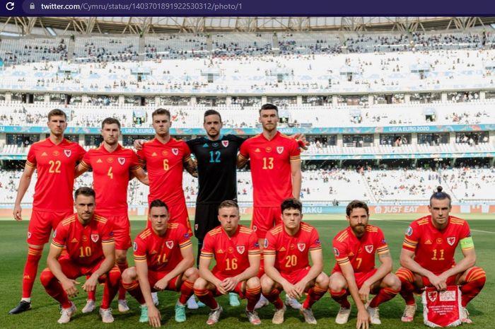 Timnas Wales berpose di laga perdana mereka di EURO 2020 melawan timnas Swiss Stadion Olimpiade, Baku, Sabtu (12/6/2021).