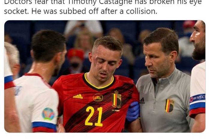 Bek kanan Belgia, Timothy Castagne mengalami cedera patah rongga mata saat laga melawan Rusia di grup B Euro 2020, Saint Petersburg Stadium, Sabtu (12/6/2021).