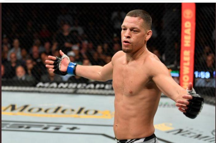 Petarung kelas welter UFC, Nate Diaz, saat melawan Leon Edwards pada UFC 263 di Grendale, Arizona, AS, Minggu (13/6/2021).