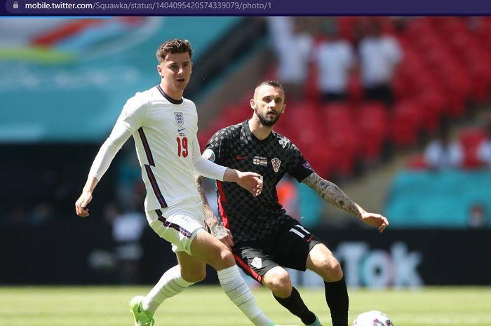 Mason Mount (kiri) memperkuat timnas Inggris saat menjamu timnas Kroasia dalam laga pembuka Grup D Euro 2020, Minggu (13/6/2021) pukul 20.00 WIB.