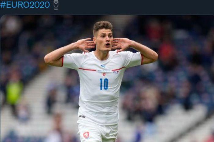 Selebrasi striker Republik Ceska, Patrik Schick, usai jebol gawang Skotlandia di laga Grup D Euro 2020, 14 Juni 2021.
