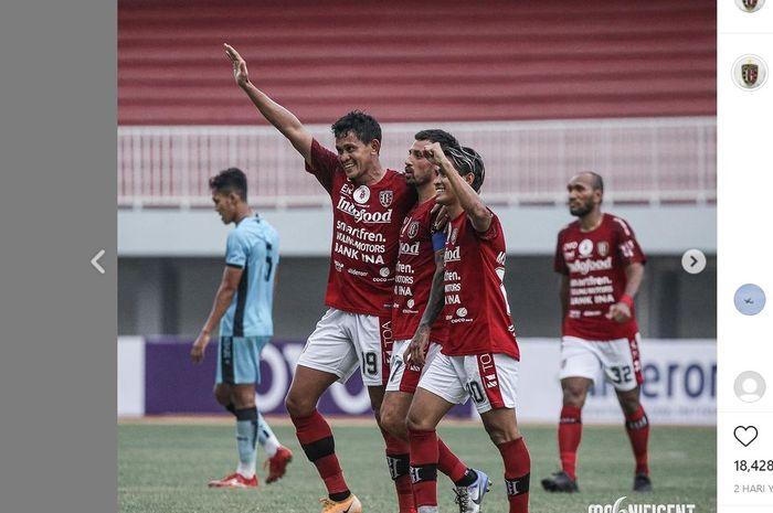 Bali United ketika menghadapi PSIM Yogyakarta dalam laga persahabatan, Minggu (13/6/2021).