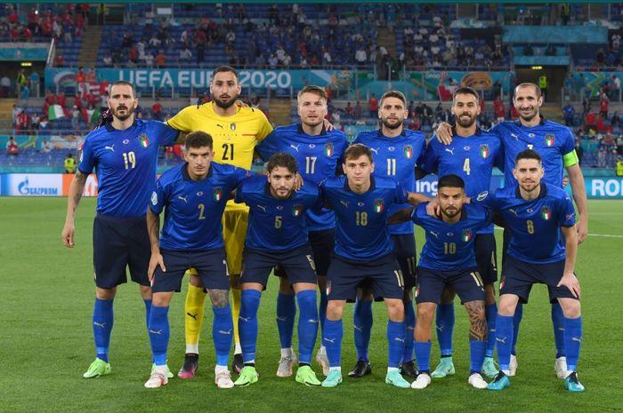 Skuad timnas Italia kala berlaga melawan timnas Swiss pada matchday kedua Grup A Euro 2020.