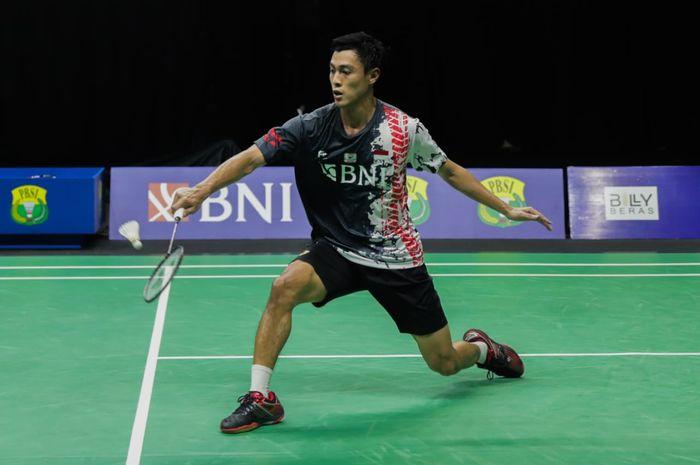 Pebulu tangkis tunggal putra Indonesia, Shesar Hiren Rhustavito pada simulasi Olimpiade Tokyo 2020 di pelatnas Cipayung, Jakarta, Kamis (17/6/2021).