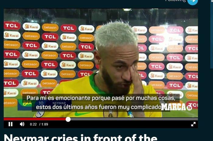 Neymar sangat emosional setelah berhasil mendekati rekor Pele sebagai pencetak gol terbanyak untuk Timnas Brasil.