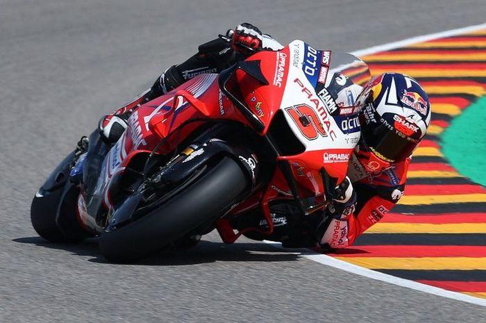 Johann Zarco saat sesi latihan bebas pada MotoGP Jerman 2021. (Photo by Ronny Hartmann / AFP)(RONNY HARTMANN)