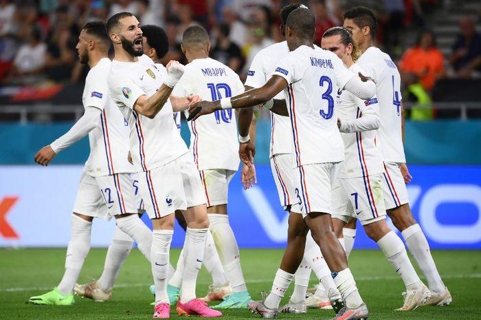 Selebrasi striker timnas Prancis, Karim Benzema, usai menjebol gawang timnas Portugal pada fase grup EURO 2020.