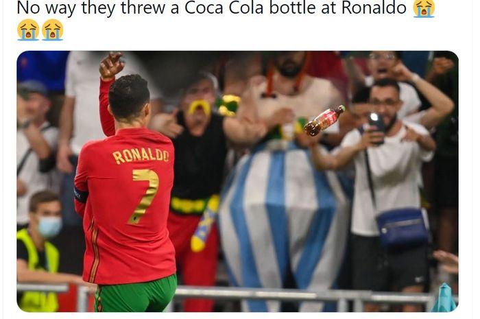 Selebrasi gol kedua Cristiano Ronaldo saat melawan Prancis pada Rabu (23/6/2021) diwarnai lemparan botol coca-cola dari para penonton, membuat perseteruan Ronaldo dengan brand soda tersebut memasuki jilid 2.