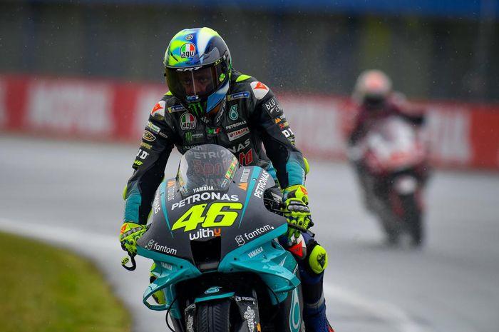 Orang Terdekat Ingin Valentino Rossi Lanjut di MotoGP 2022, tetapi.. thumbnail