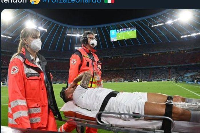 Leonardo Spinazzola mengalami cedera dalam partai Belgia vs Italia di Euro 2020.