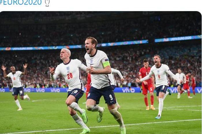 Striker timnas Inggris, Harry Kane, merayakan gol ke gawang timnas Denmark dalam laga semifinal EURO 2020 di Stadion Wembley, Rabu (7/7/2021).