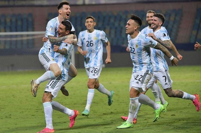 Keceriaan timnas <a href='https://manado.tribunnews.com/tag/argentina' title='Argentina'>Argentina</a> usai menjuarai <a href='https://manado.tribunnews.com/tag/copa-america-2021' title='CopaAmerica2021'>CopaAmerica2021</a>.