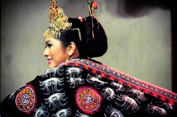 Si mantan Puteri Indonesia 2010