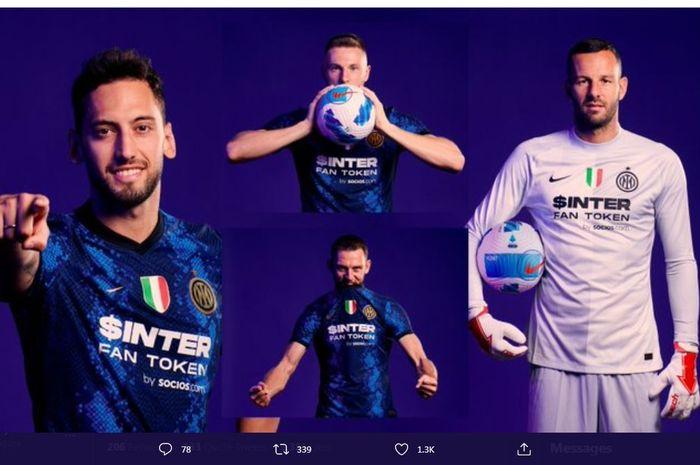 Inter Milan dengan sponsor baru mereka di bagian depan seragam musim 2021-2022.