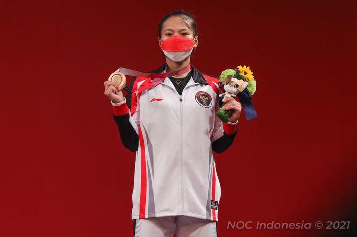 Lifter putri Indonesia, Windy Cantika Aisah usai merebut medali perunggu Olimpiade Tokyo 2020, Sabtu (24/7/2021)