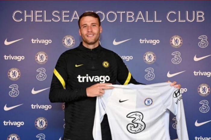 Chelsea secara resmi telah mendatangkan Marcus Bettinelli yang akan menjadi pesaing bagi kiper termahal dunia, Kepa Arrizabalaga.