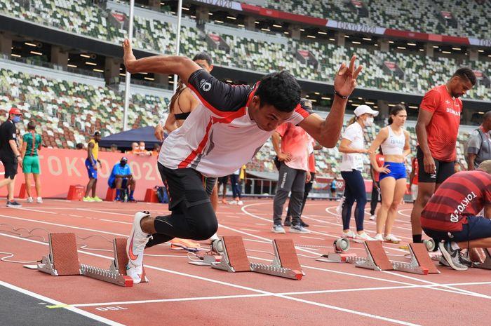 Sprinter putra Indonesia, Lalu Muhammad Zohri, menjalani latihan jelang pertandingan atletik 100 meter putra pada Olimpiade Tokyo 2020 di Stadion Olympic, Tokyo, Jepang, Kamis (29/7/2021).