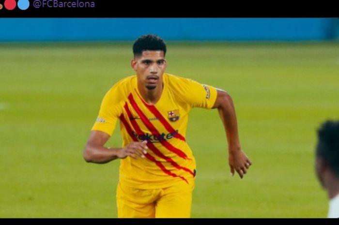 Bek Barcelona, Ronald Araujo
