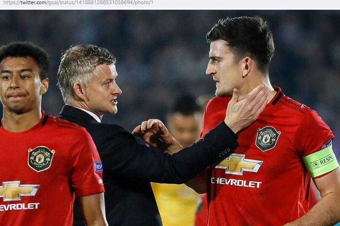 Donny van de Beek jadi kapten baru Manchester United, Harry Maguire langsung memberikan peringatan.