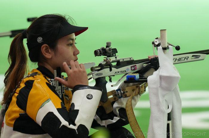 Atlet menembak Indonesia, Vidya Rafika Rahmatan Toyyiba saat tampil pada nomor Women's 50 meter Rifle Three Positions di Asaka Shooting Range, Jepang, Sabtu (31/7/2021).