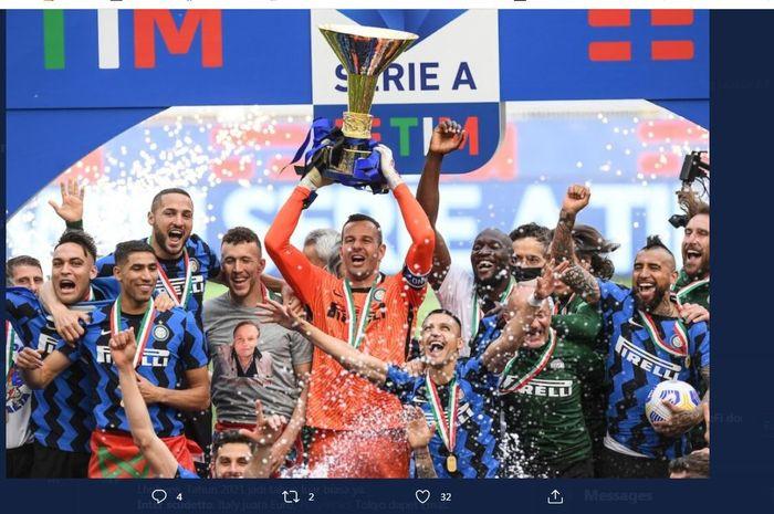 Skuad Inter Milan merayakan gelar juara Liga Italia 2020-2021.