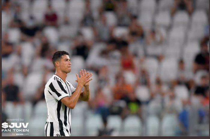 Cristiano Ronaldo dalam duel pramusim Juventus vs Atalanta, 14 Agustus 2021.