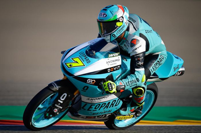 Dennis Foggia menjadi yang tercepat pada penghujung waktu FP3 Moto3 Aragon. Andi Gilang stagnan di baris paling belakang.