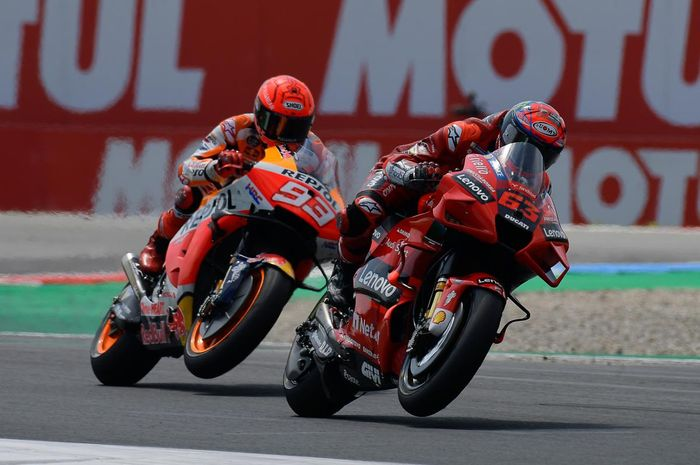 Tak Punya Kelemahan! Marc Marquez Akui Francesco Bagnaia Lebih Sangar ketimbang Rivalnya thumbnail