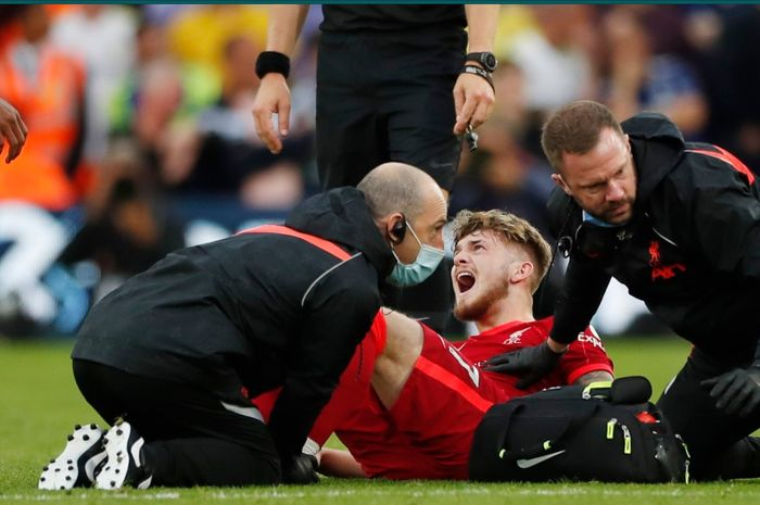 Harvey Elliot mengalami cedera serius pada bagian engkelnya setelah mendapat tekel keras dari pemain Leeds United.