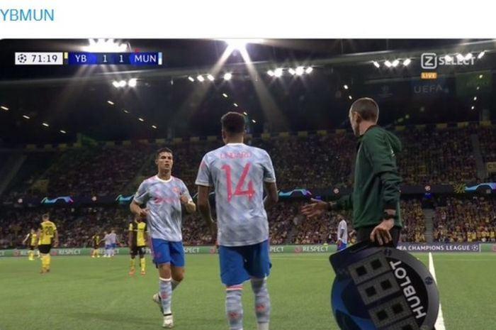 Jesse Lingard saat masuk menggantikan Cristiano Ronaldo dalam laga Young Boys vs Manchester United di Liga Champions.