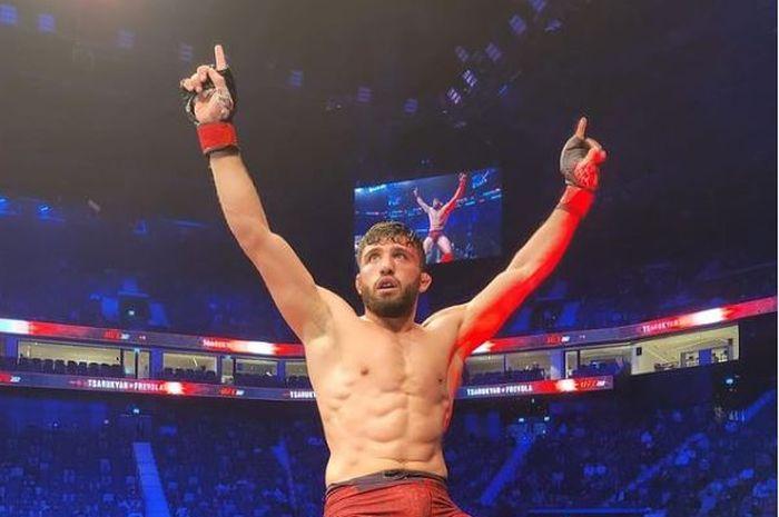 Petarung kelas ringan UFC, Arman Tsarukyan.