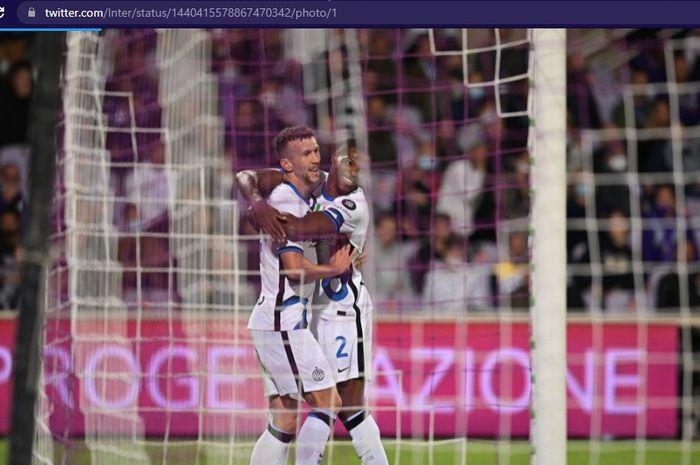 Inter Milan terbukti terlalu tangguh untuk Fiorentina setelah mampu comeback pada babak kedua dalam laga Liga Italia 2021-2022.