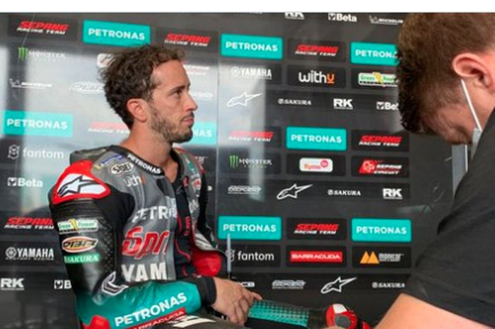 Pembalap Petronas Yamaha SRT, Andrea Dovizioso, saat tampil di tes Misano kedua, Rabu ( 22/9/2021).
