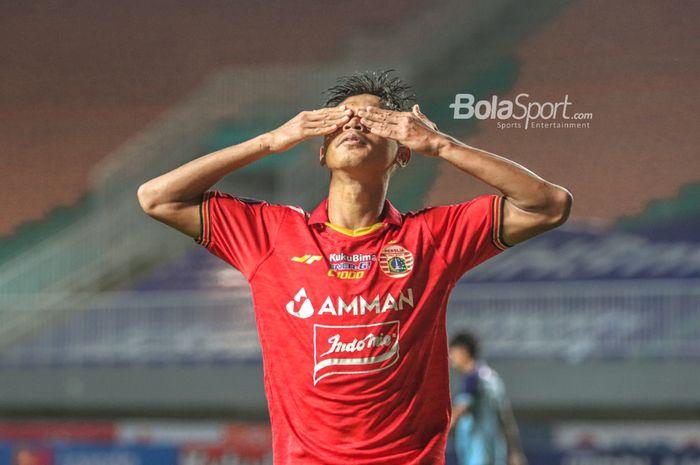 Selebrasi pemain Persija Jakarta, Alfriyanto Nico, seusai mencetak gol dalam laga pekan keempat Liga 1 2021 di Stadion Pakansari, Bogor, Jawa Barat, 24 September 2021.