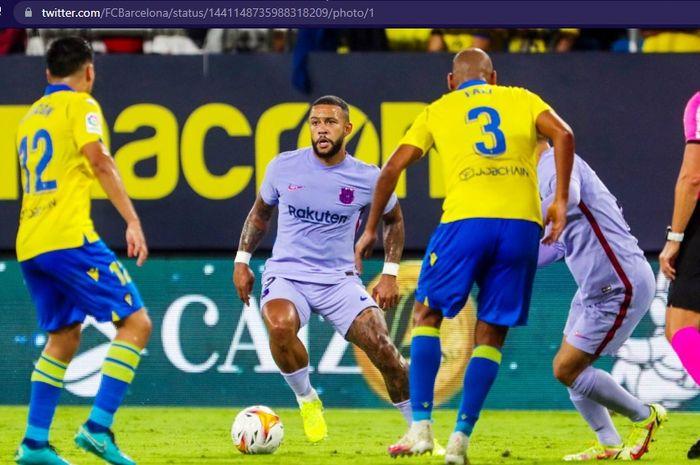 Pemain Barcelona, Memphis Depay, saat berhadapan dengan Cadiz dalam laga jornada keenam Liga Spanyol 2021-2022 pada Kamis (23/9/2021) waktu setempat atau Jumat pukul 02.00 WIB.